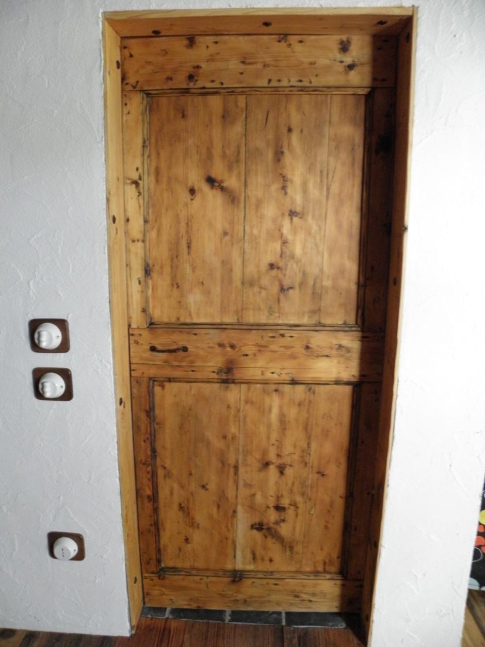 Restauri porte e portoni vari