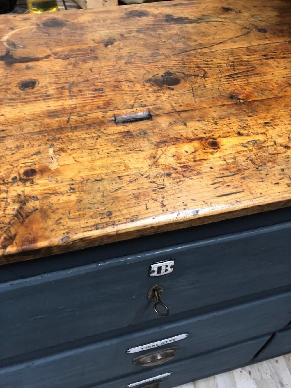 Mobile cassettiera farmacia con cassetti  restaurato