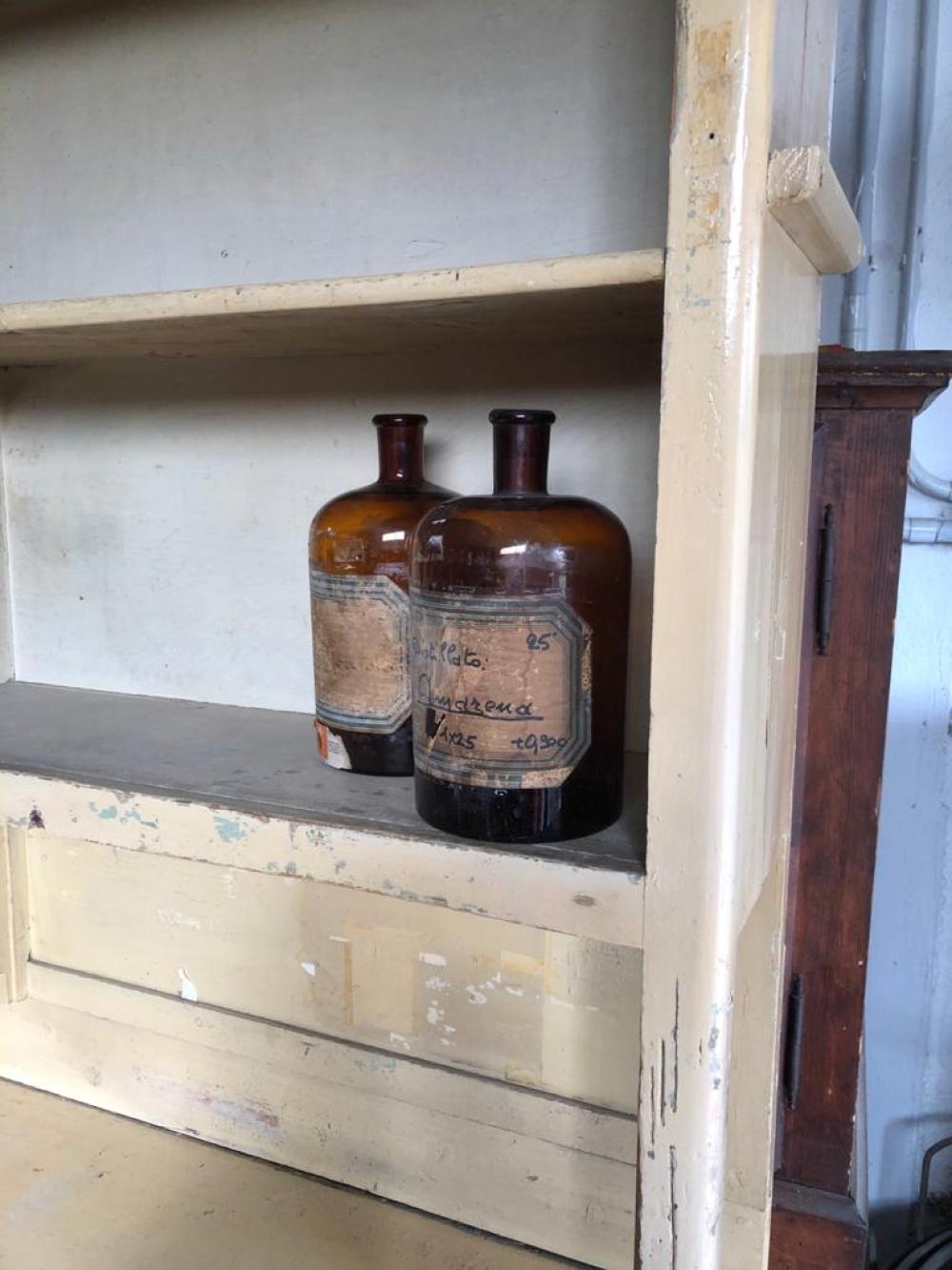 Mobile da drogheria anni venti con alzata – cod.1615